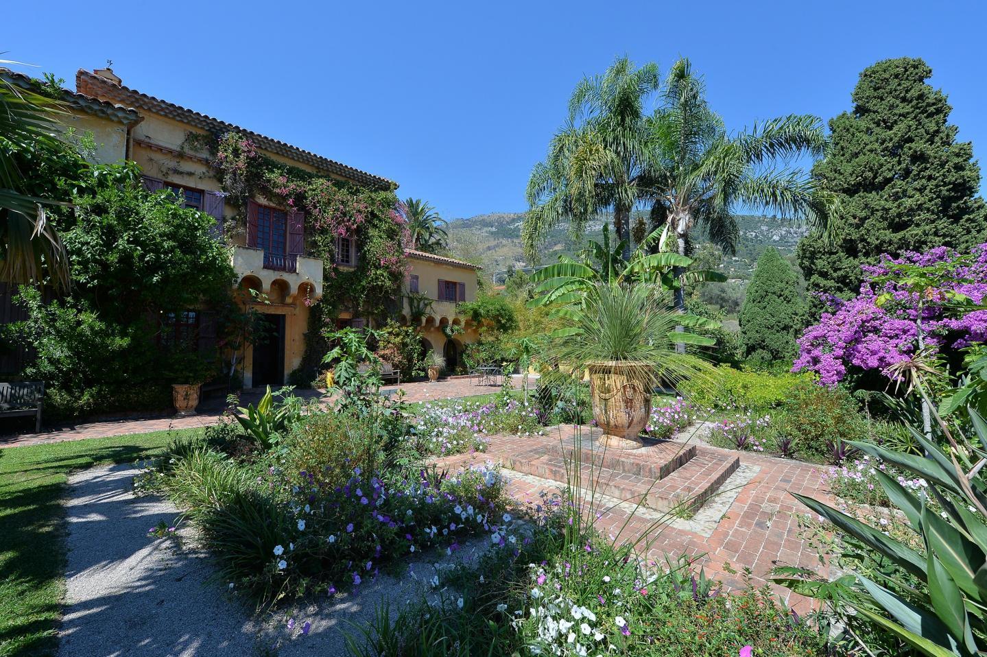 Un jardin au nom de la princesse Rahmeh.