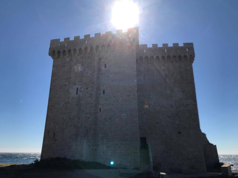 La tour monastique.