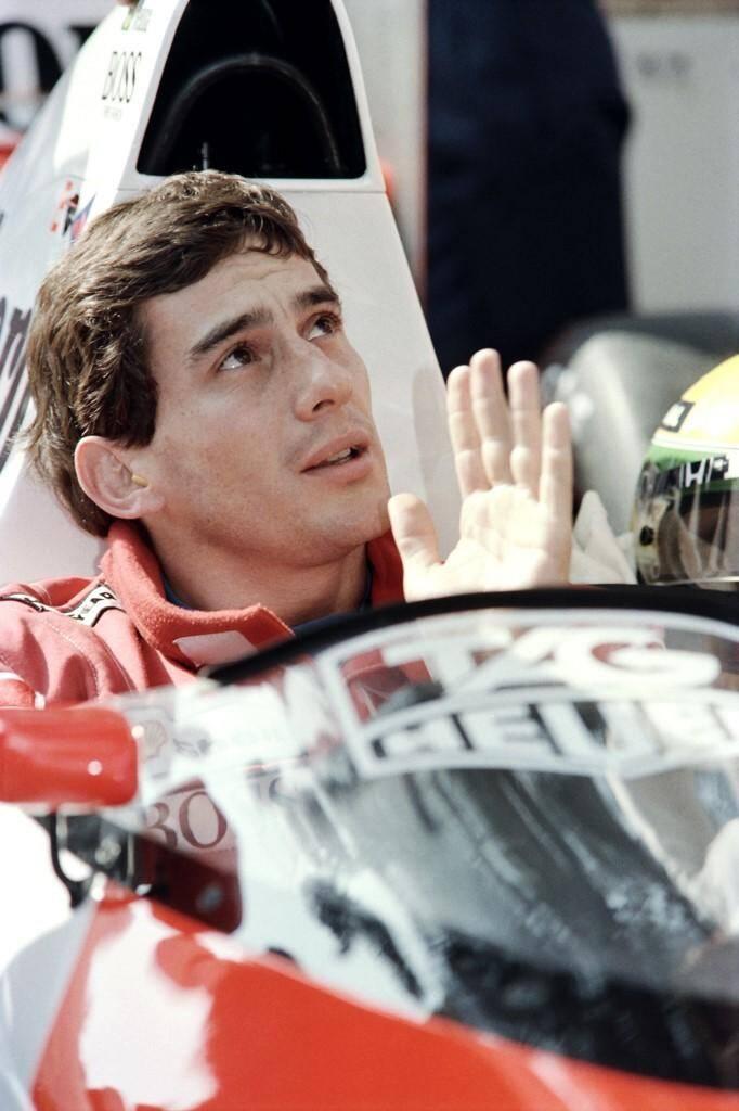 En 1989, Ayrton Senna (McLaren-Honda) termine devant Alain Prost (McLaren-Honda) et Stefano Modena (Brabham-Judd).