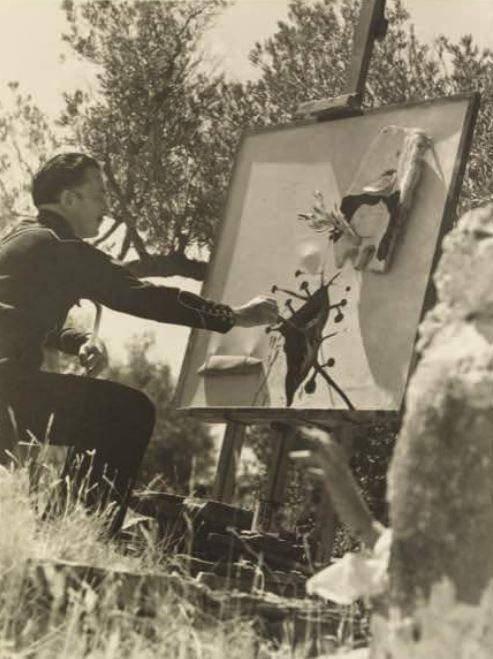 Salvador Dali peint à Figueres. (Reproduction Salvador Dali Fundacio Gala-Salvador Dali)