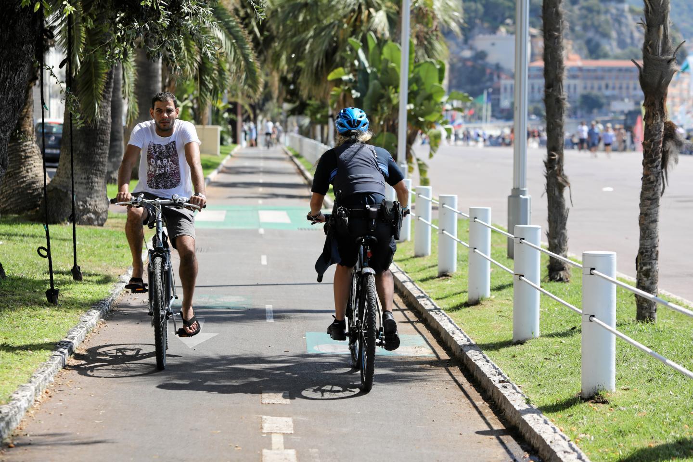 Piste cyclable sécurisé Promenade des Anglais, et ailleurs?
