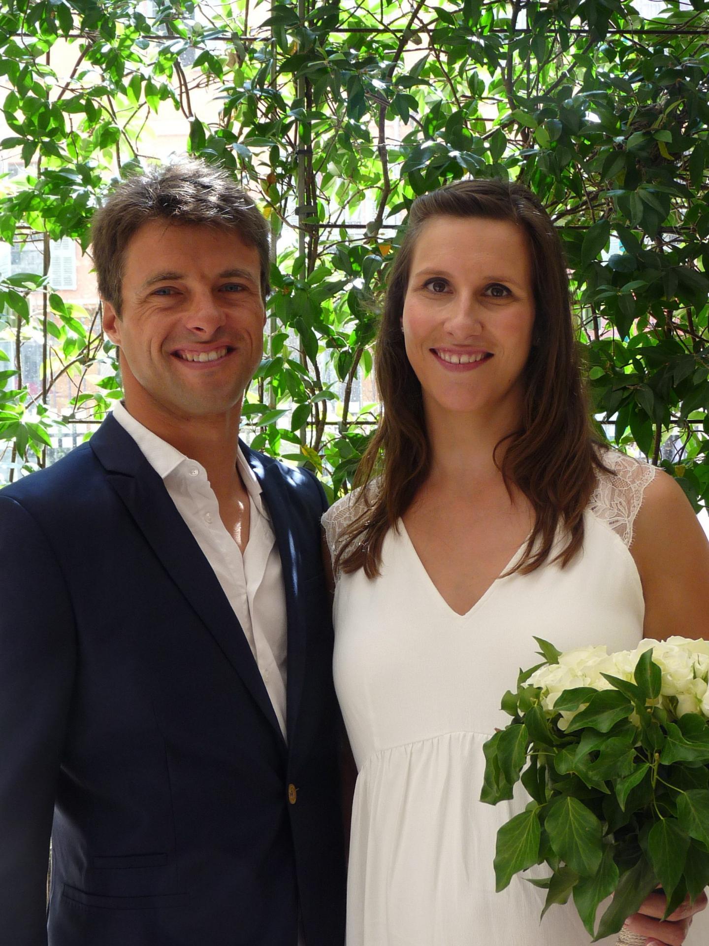Nicolas Camous, moniteur de voile, et Sarah Bernachon, professeure des écoles.