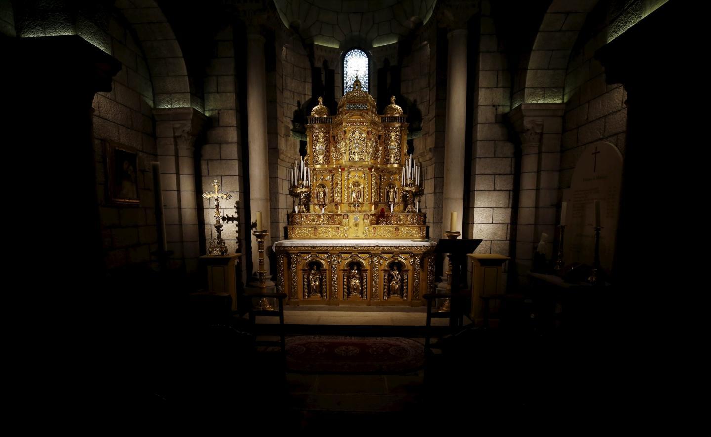 Dans la chapelle du Saint Sacrement, cet autel de 1667, en noyer sculpté dans le style de la Renaissance espagnole.