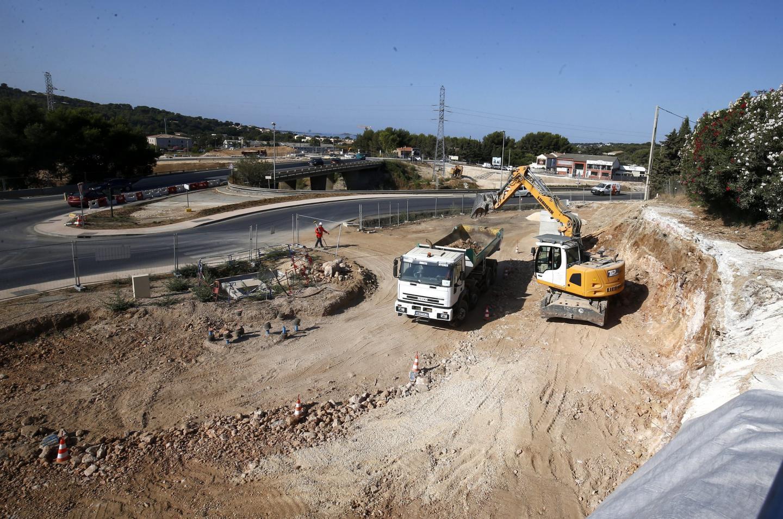 Le tracé du chemin Raoul-Coletta va être modifié. La route va être décalée vers le Nord, le long du mur de soutènement en cours d'aménagement.