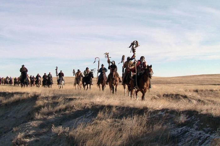 Ciné-conférence à Miramar : The Ride, ou la mémoire meurtrie des Indiens d'Amérique C'est comme le triste épilogue du western. De la « glorieuse » conquête de l'Ouest, effectuée au détriment des Indiens. The Ride, splendide documentaire de Stéphanie Gillard, évoque le périple annuel des Sioux Lakota, qui traversent à cheval les plaines du Dakota, en hommage à leurs ancêtres massacrés en 1890. Devoir de mémoire pour les anciens, rite culturel et initiatique pour les plus jeunes. Mardi 12 novembre à 15 h, le film sera suivi d'une conférence sur le thème : Territoire et génocide indien par Gérard Camy. En collaboration avec Cannes Université. Tarif : 7 à 9 euros. Mardi 10 décembre à 15 h, Christian Loubet évoquera Turner, l'agent double, avant le film Mr Turner de Mike Leigh sur le « peintre de la lumière » aussi reconnu que décrié, qui valut le prix d'interprétation masculine à Timothy Spall à Cannes.