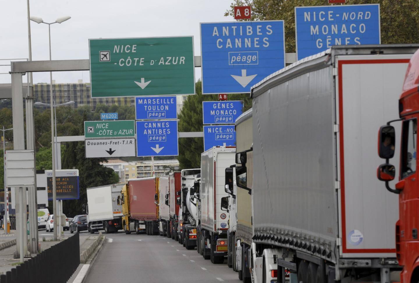 Les accès à l'autoroute ont été fermés par moments.