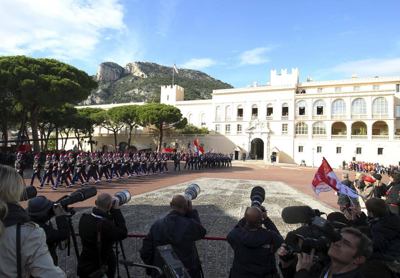 Le Ministre d'Etat Serge Telle a remis des médailles d'honneur sur la place du Palais.