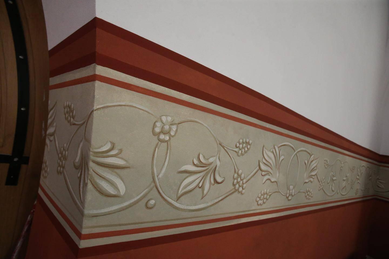 Cette fresque retrouvée derrière les grands panneaux en bois qui recouvraient les murs de l'église a été rénovée.