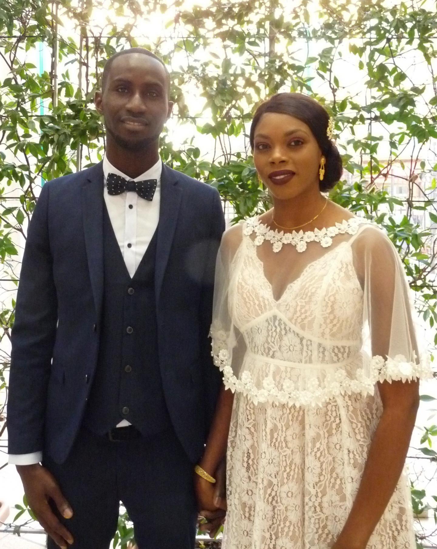Ibrahima Diop, aide soignant et Oumy Mbengue, conseillère de vente.