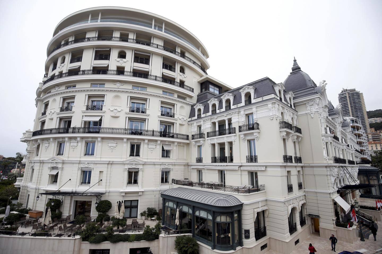La SBM, dont fait partie l'Hôtel de Paris, compte près de 4500 salariés dont plus de 1000 emplois administratifs.