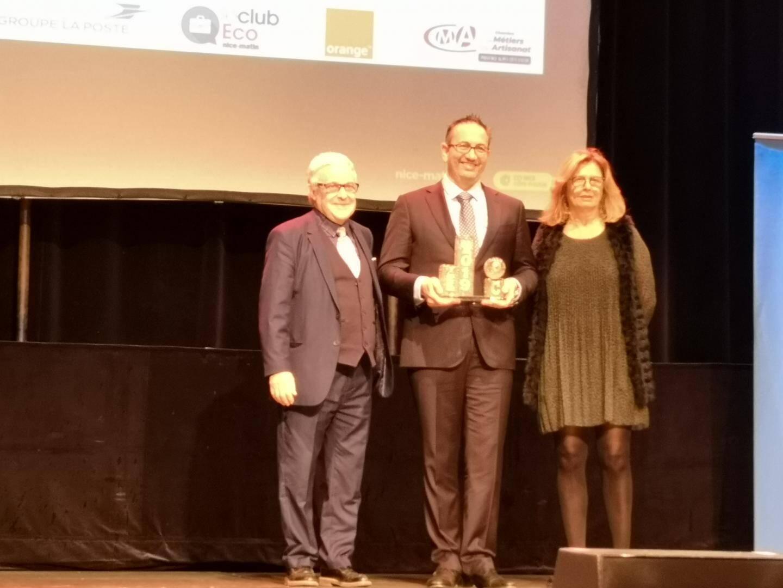 Ghislaine Ellena (Pôle Emploi) et Marc Ippolito (Nice Expo) ont remis le trophée de l'Audace entrepreneuriale à Gil Marsalla.
