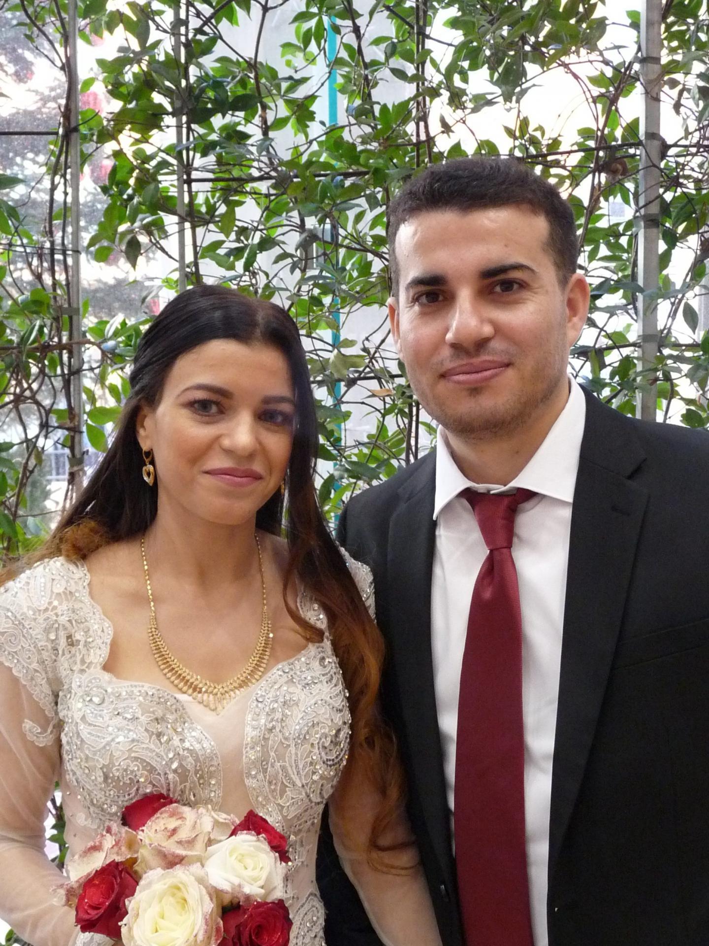 Khouloud Dahmoul, professeure des écoles, et Jihad Dwaikat, employé administratif.