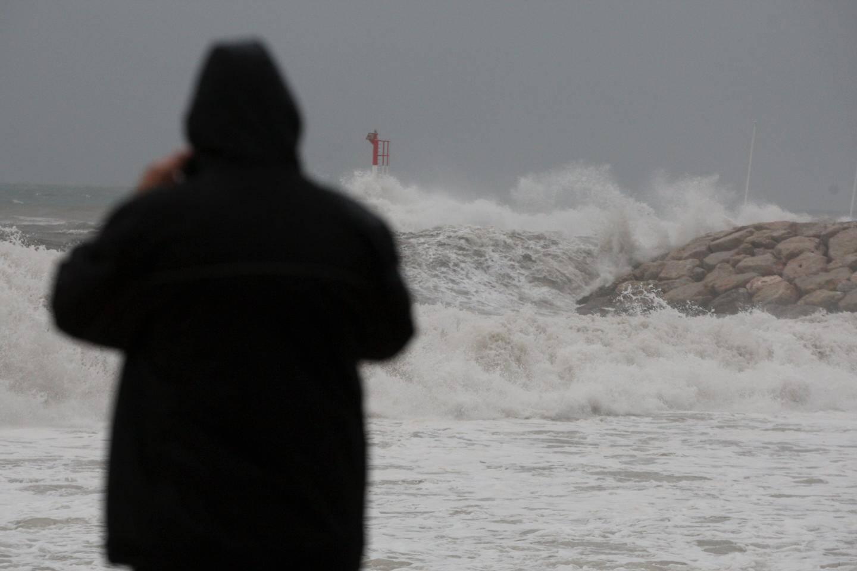 Coup de mer à Frejus plage.