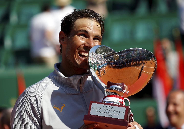 Invaincu sur la terre battue monégasque de 2005 à 2010, Rafael Nadal a pulvérisé tous les records en ajoutant cinq autres Monte-Carlo Rolex Masters à sa razzia entre 2010 et 2019. Seuls Djokovic (2013 et 2015), Ferrer (2014) et Fognini (2019) l'ont empêché d'aller au bout. L'Espagnol compte 11 titres sur le Rocher et 12 à Rolland-Garros. Une légende bien au-delà de la décennie.
