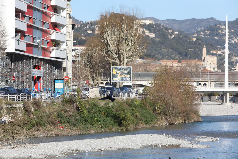 La rive droite du Paillon.