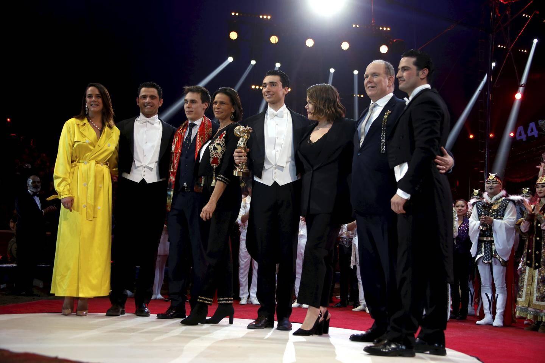 La jeune génération de la famille Knie récompensée par la famille princière pour leurs numéros équestres lors du 44e Festival international de Monte-Carlo.