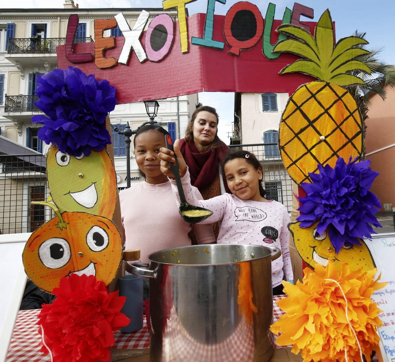 Un breuvage aux fruits et une déco originale permettent aux enfants de la Maefe de décrocher un prix.