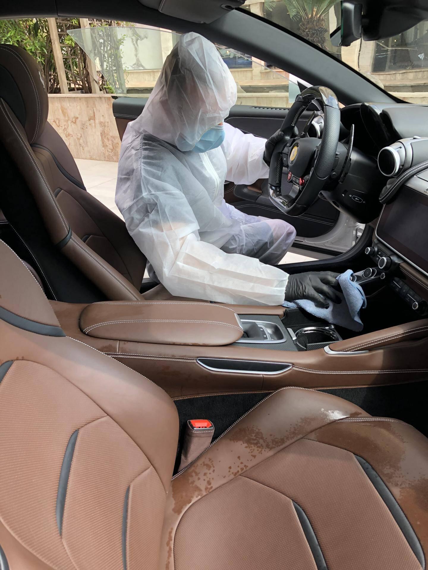 Protech Monte Carlo a développé une prestation dédiée à la désinfection des habitacles de véhicules.