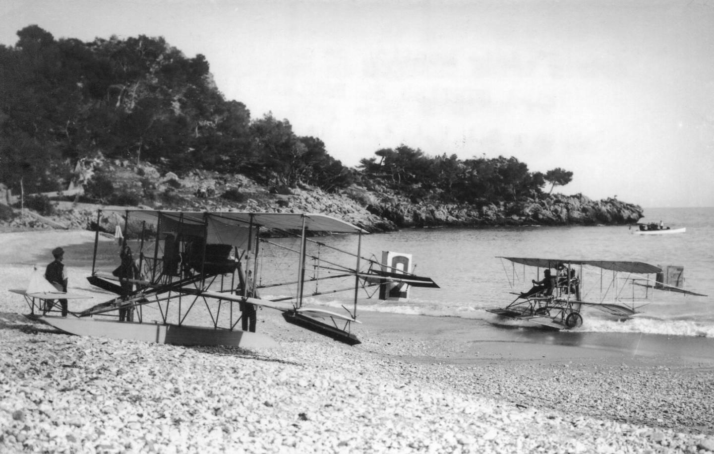 En 1912, un meeting d'aérohydravions.