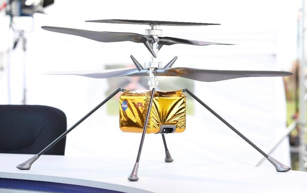 """Une maquette du mini-hélicoptère de la Nasa """"Ingenuity"""", le 28 juillet 2020 à Cap Canaveral, en Floride"""