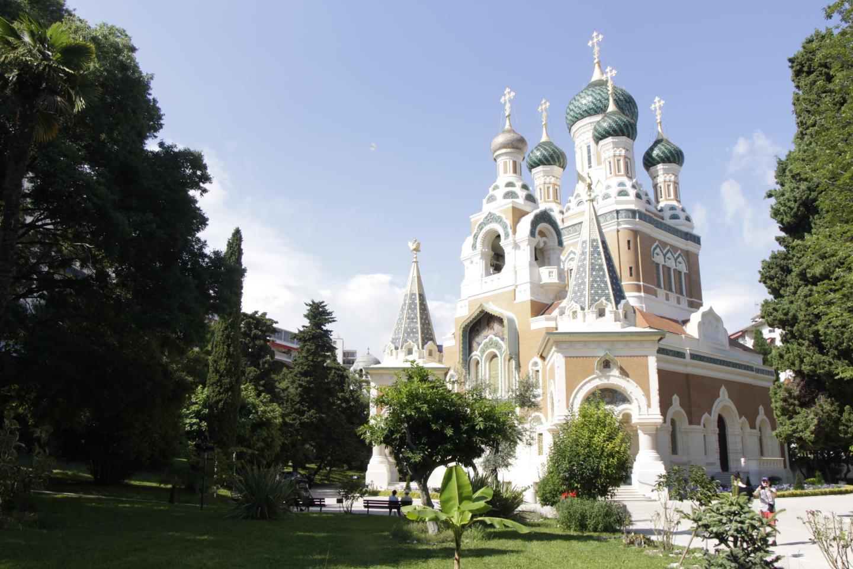 """La fréquentation de l'incontournable cathédrale orthodoxe Saint-Nicolas reprend """"un petit peu"""" depuis le 11 mai."""