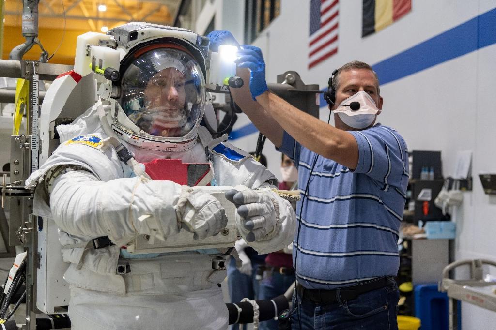 Photo datée du 19 juin 2020, fournie par la Nasa le 27 juillet 2020, de l'astronaute Thomas Pesquet lors d'un entrainement au centre spatial de Houston, au Texas