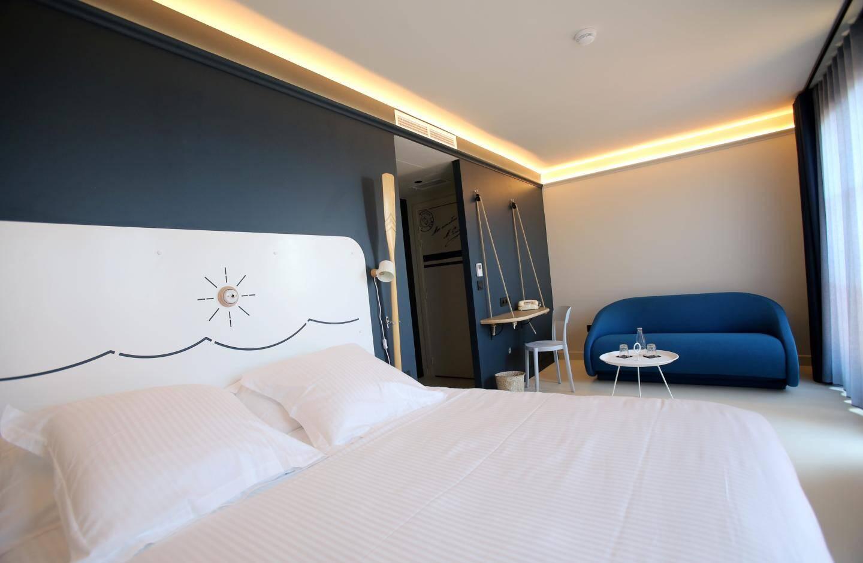 Les chambres déclinées dans cinq catégories baignent dans la lumière et vont accueillir une clientèle de loisirs et d'affaires.