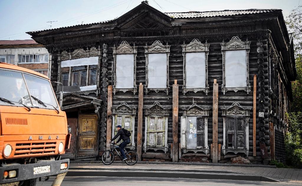 Une demeure en bois de la ville de Tomsk, en Sibérie, le 8 septembre 2020