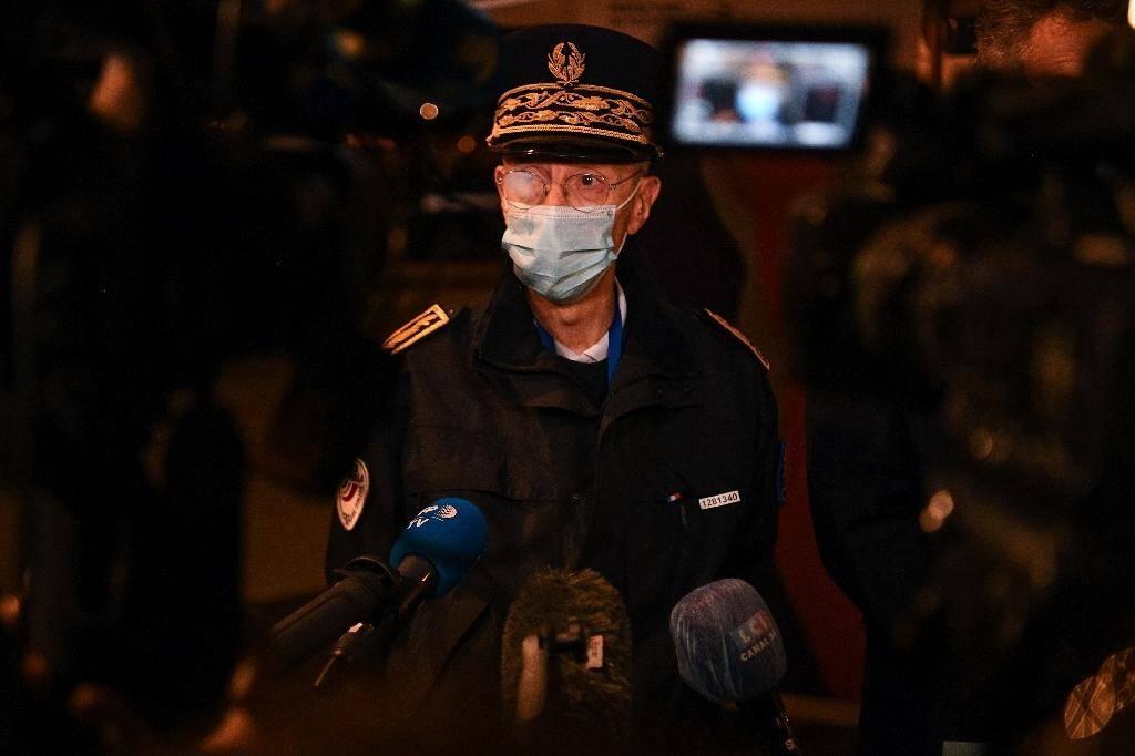 Le préfet de police de Paris Didier Lallement fait procéder à l'évacuation du vaste campement de migrants situé sous une bretelle d'autoroute au pied du Stade de France à Saint-Denis , le 17 novembre 2020