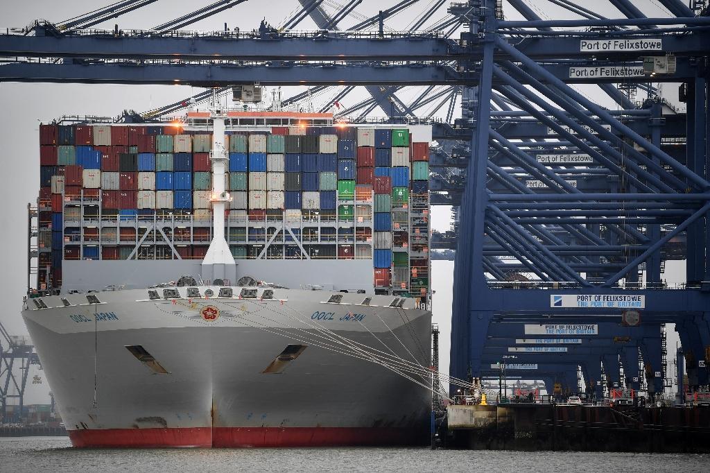 Un porte-container à Felixstowe Docks, (est de Londres), le 12 décembre 2020