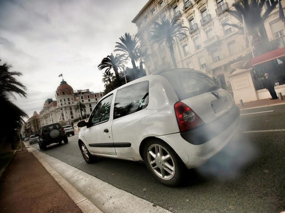 Lyon veut être plus rapide pour se débarrasser des voitures diesel, source de grande pollution.