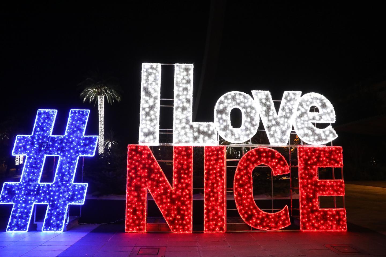 La structure I Love Nice, a revêtu un habit de lumières pour les fêtes de fin d'année.