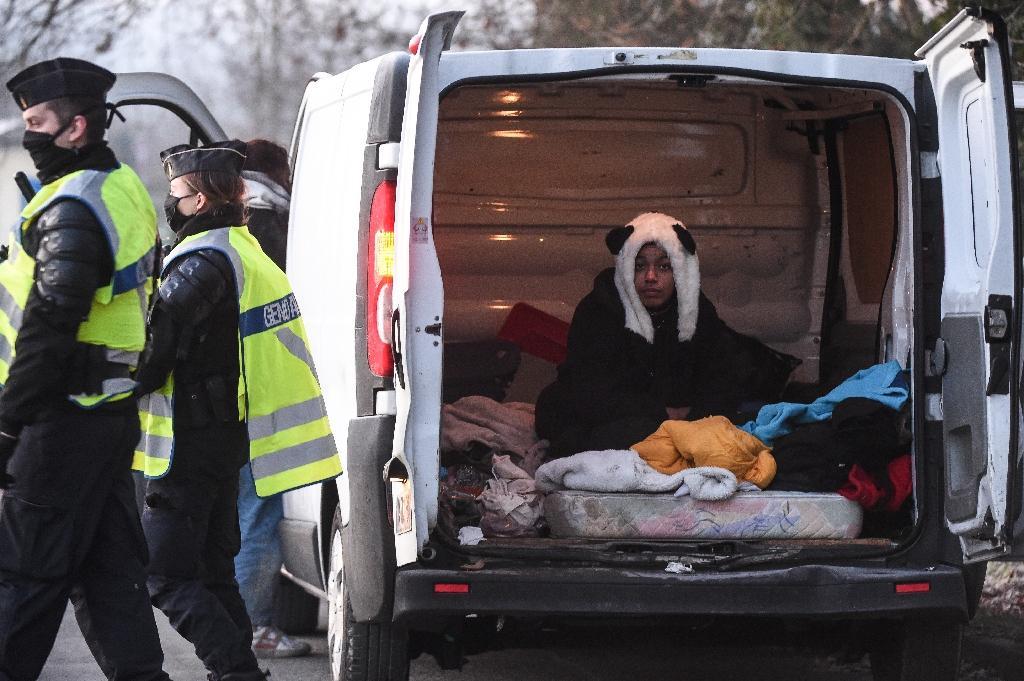 Les gendarmes ont multiplié les contrôles sur les lieux de la rave party sauvage à Lieuron, le 2 janvier 2021