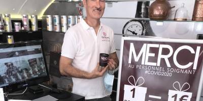 Un euro reversé pour chaque bougie achetée: l'initiative solidaire de cet artisan de Saint-Raphaël envers les soignants
