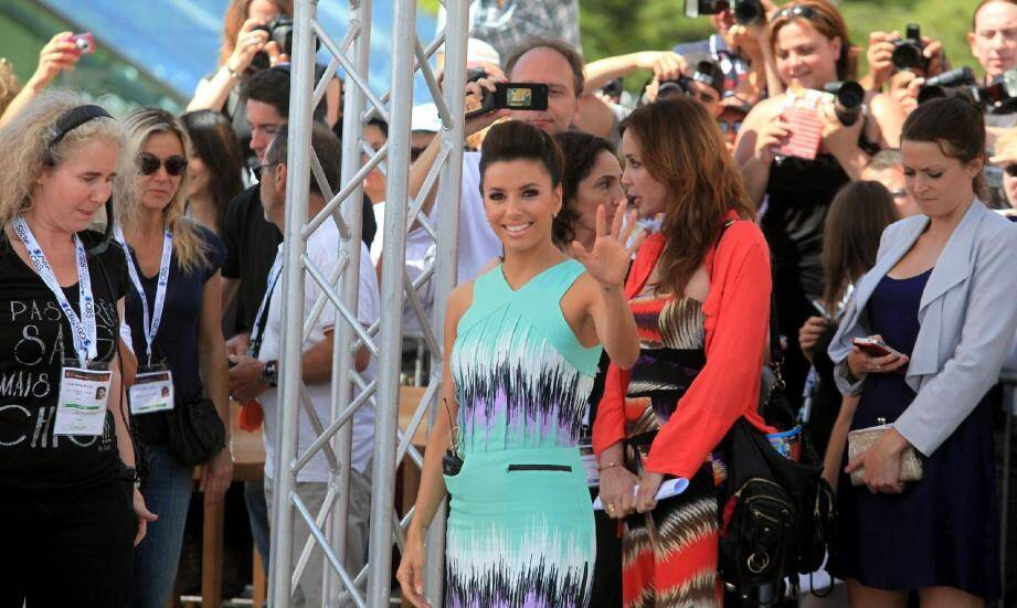Pendant huit ans, Eva Longoria a campé le personnage de Gabrielle Solis dans la très populaire série « Desperate Housewives » suivi par des millions de personnes dans le monde… source de sa popularité de rock star.