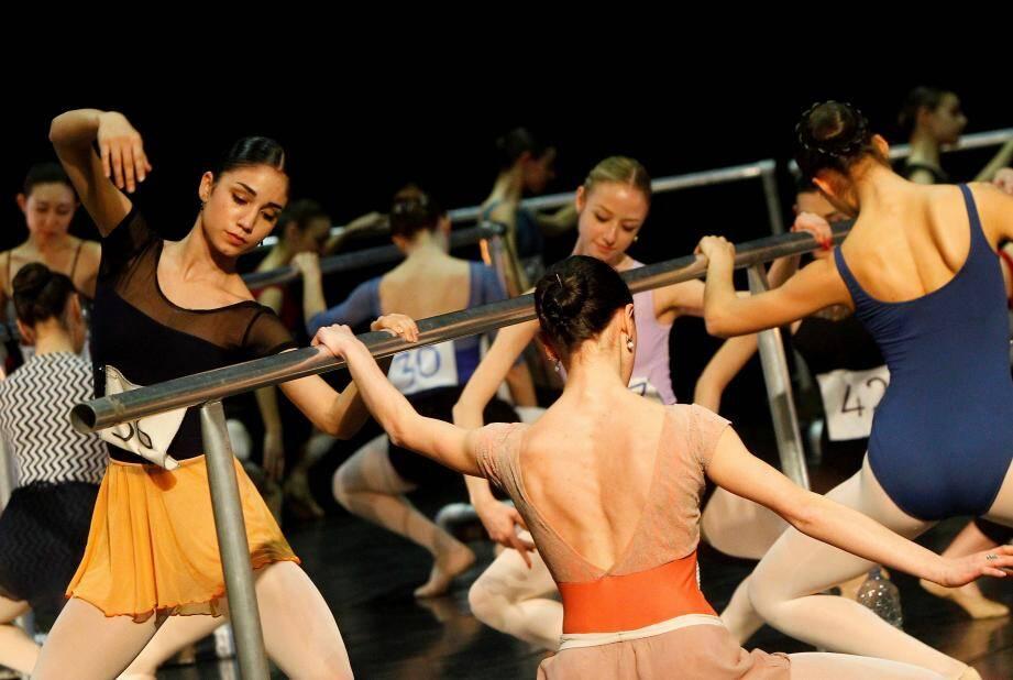 192 jeunes filles et 31 jeunes garçons ont passé, hier, une audition. Objectif ? Les trois postes proposés par le Ballet Nice Méditerranée dirigé par Eric Vu An.