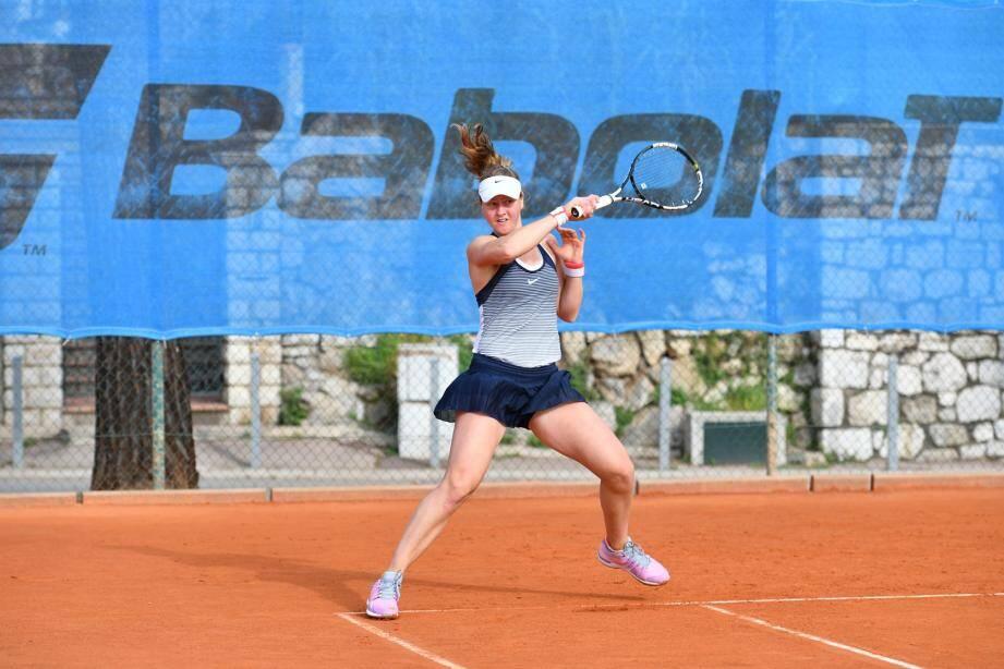 Ludmilla Samsonova (ci-dessus) affronte Ylena In-Albon (ci-dessous) dans la finale simple filles.