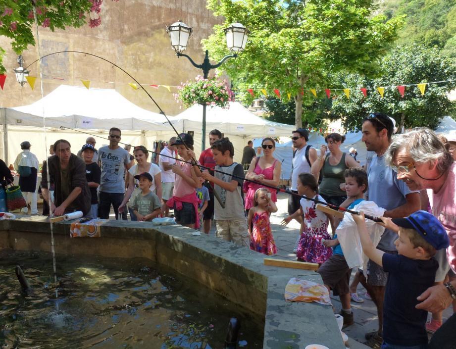 L'Aappma et l'association des pêcheurs de Tende ont organisé l'initiation à la pêche aux bénéfices de la caisse des écoles.