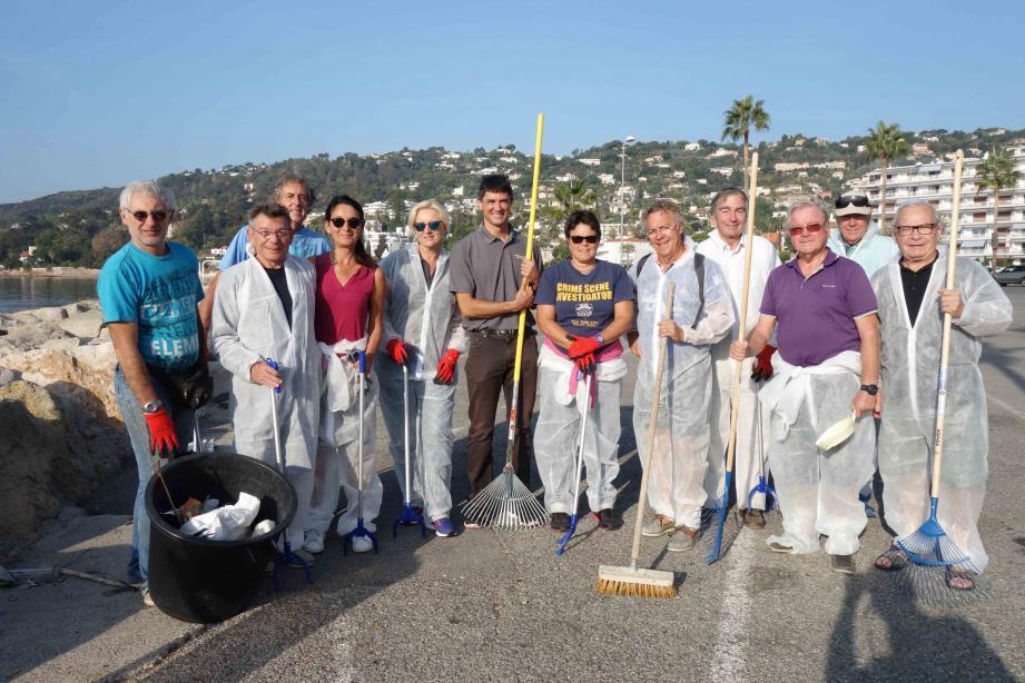 Une longue séance de nettoyage au cours de laquelle les bénévoles ont récolté des déchets divers et variés.