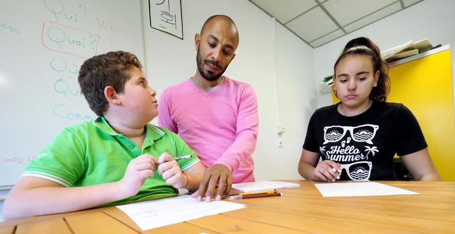 Au cœur de la pédagogie TouKouLeur, une salle ouverte où les élèves et les profs peuvent créer et faire vivre d'autres projets, en dehors du temps scolaire, comme par exemple un journal télévisé.