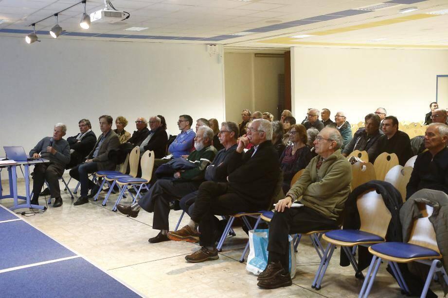 Une trentaine de membres ont assisté à la partie statutaire de l'assemblée générale de Mart, avant d'être rejoints par presque autant de monde, venu assister à la première du film La Métropole de la rade.