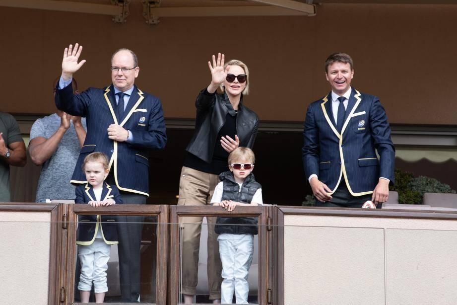 La famille princière a assisté au défilé des différentes équipes, en début de compétition.