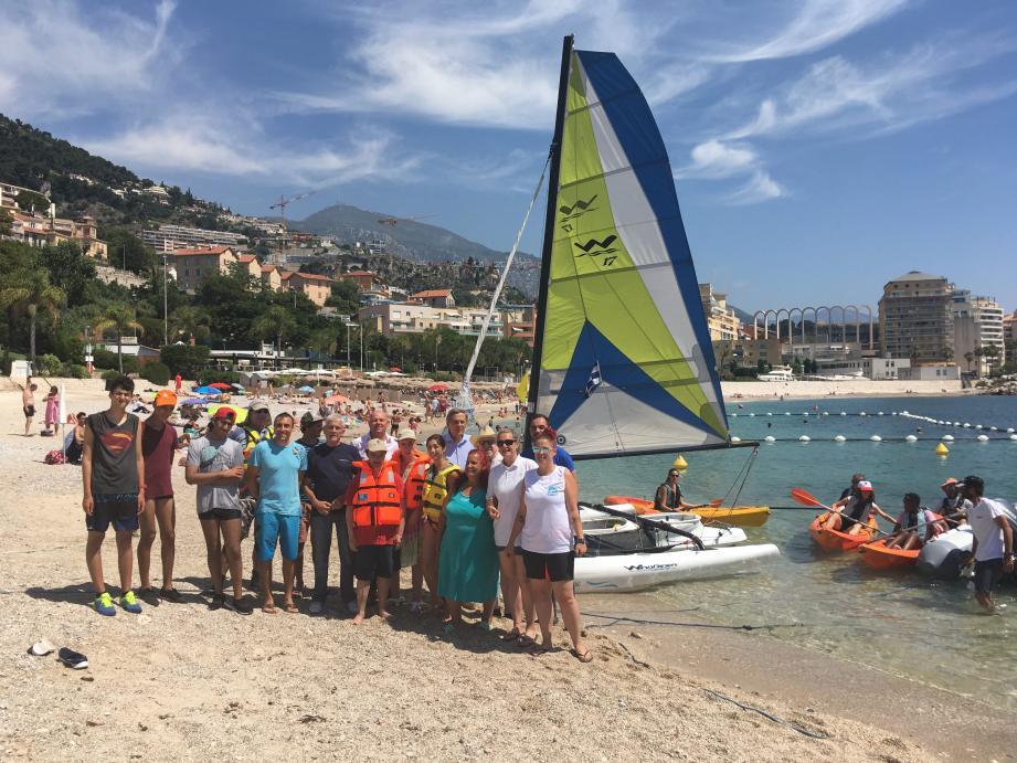 Le maire de Cap-d'Ail était présent sur la plage Marquet, hier, pour accueillir la tournée Handi Voile.