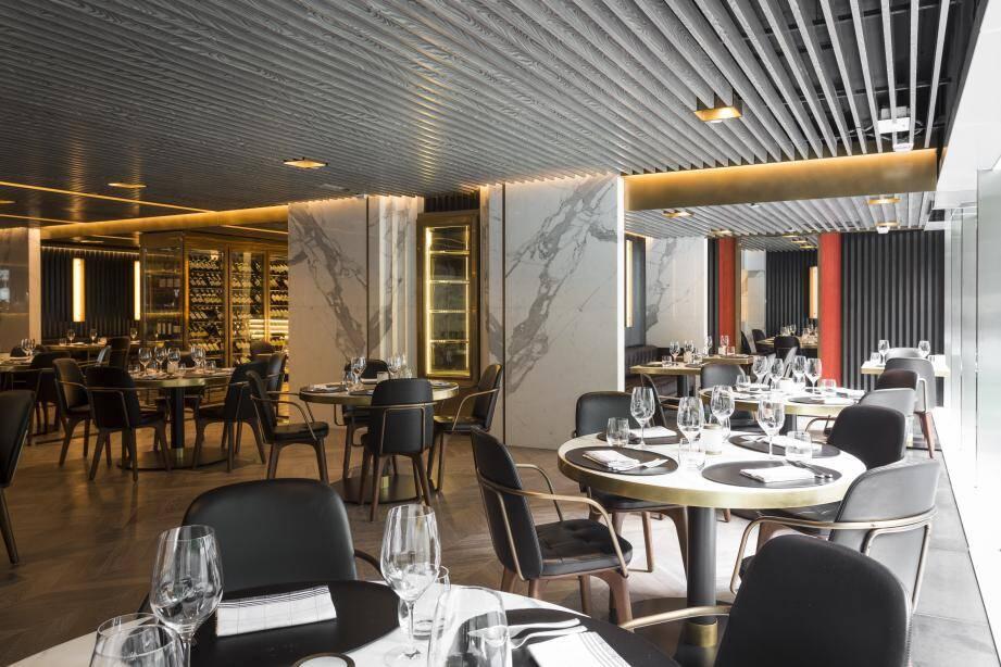 Un restaurant ouvert à Hong Kong.