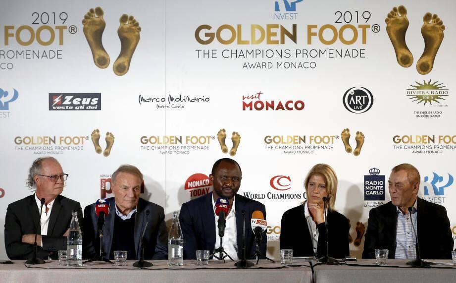 De gauche à droite, hier à Monaco : Paulo Roberto Falcao, Josè Altafini, Patrick Vieira, Carolina Morace et Antonio Caliendo.