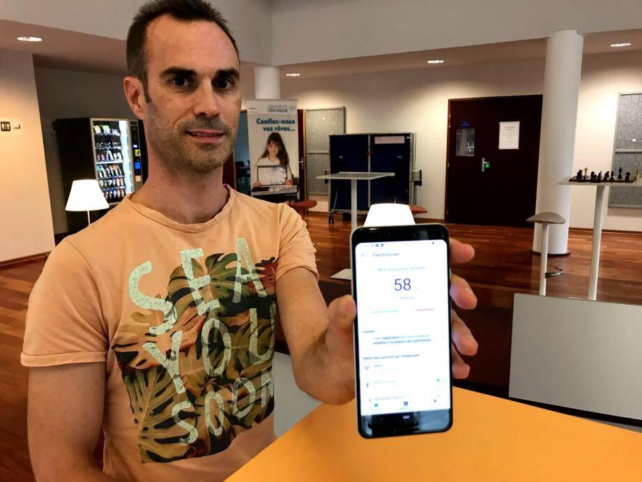 Arnaud Legout a créé Electrosmart : l'appli gratuite permet d'identifier les sources les plus émettrices d'ondes, émises par le réseau 2G, 3G, 4G, la WI-Fi, avec son téléphone Android.