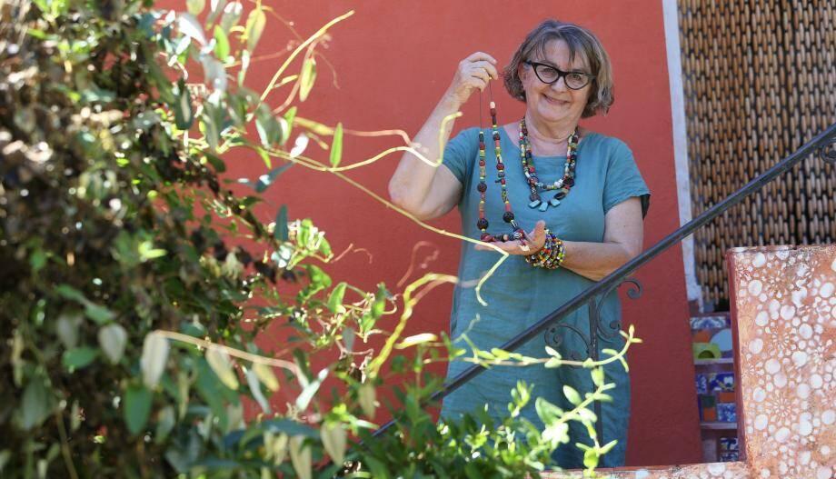 Marie-Claude Hours sera le 5 juillet au vide-grenier, place Rabaton à Hyères.