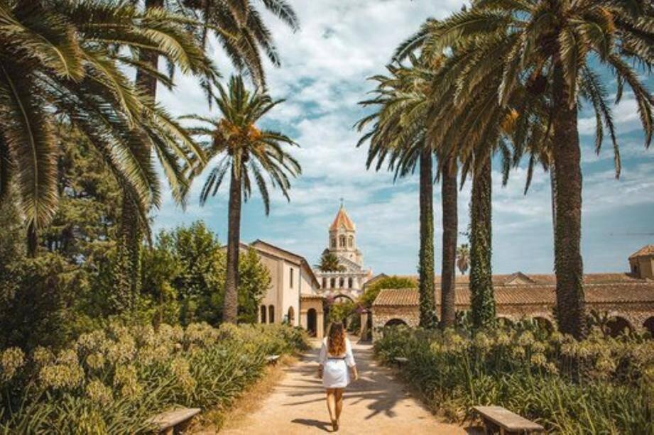 La jeune blogueuse part à la découverte de l'île Saint-Honorat.