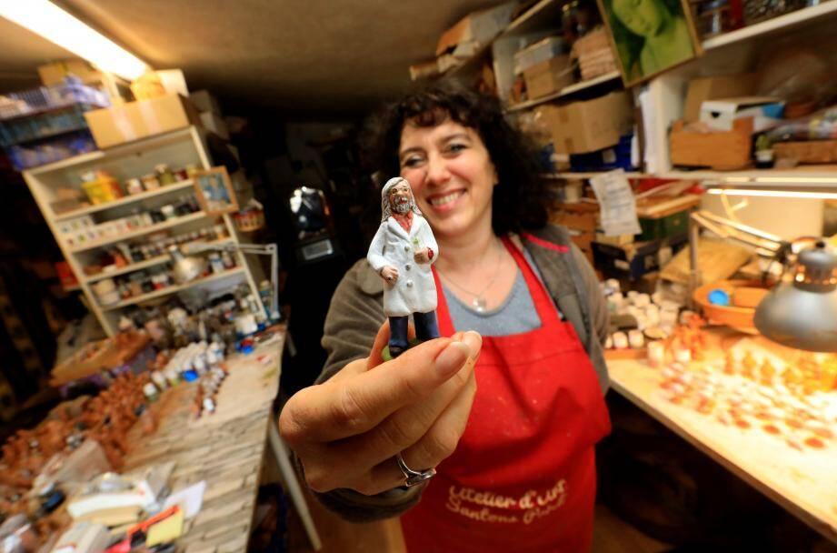 Si Fabienne Pardi réussit à s'en sortir grâce à la vente de ses santons Raoult, elle s'inquiète de l'avenir de certains confrères.