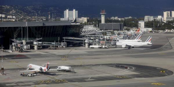 Vue de l'aéroport de Nice.
